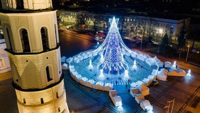 """""""Самая красивая"""": рождественская елка Вильнюса таки стала лучшей"""
