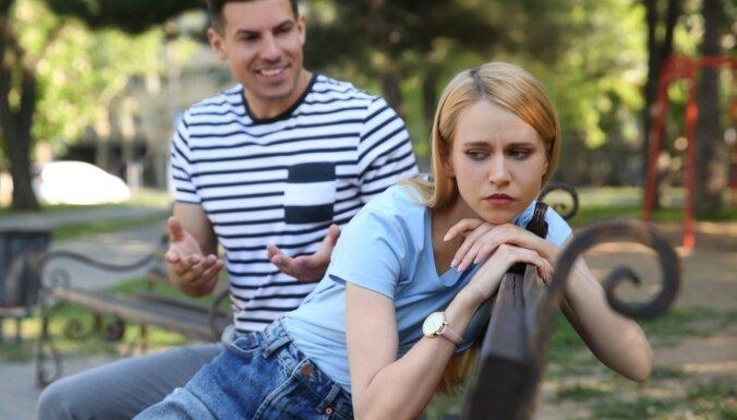 Kā pārstāt satikties ar nepareizajiem cilvēkiem