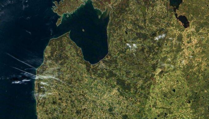 Число жителей Латвии продолжает снижаться, рижане продолжают покидать Ригу