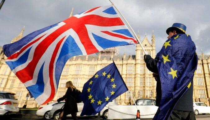 """Дорогая Британия: после """"Брекзита"""" посылки и покупки в интернет-магазинах станут дороже"""