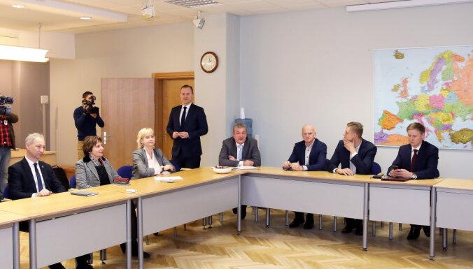 Gobzema sarunu raunda dalībnieki konfidencialitātes līgumu neslēgs