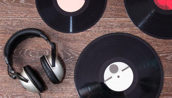 'Delfi Kultūra' iesaka: 10 mūzikas albumi, kas palīdzēs 1. janvārī