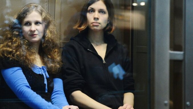 Krievijas tiesa kritizē 'Pussy Riot' notiesājošo spriedumu – liek pārskatīt