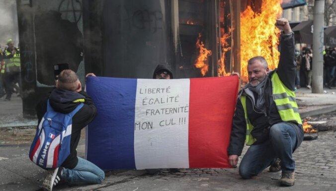 Оппозиция обвиняет французские власти в бессилии