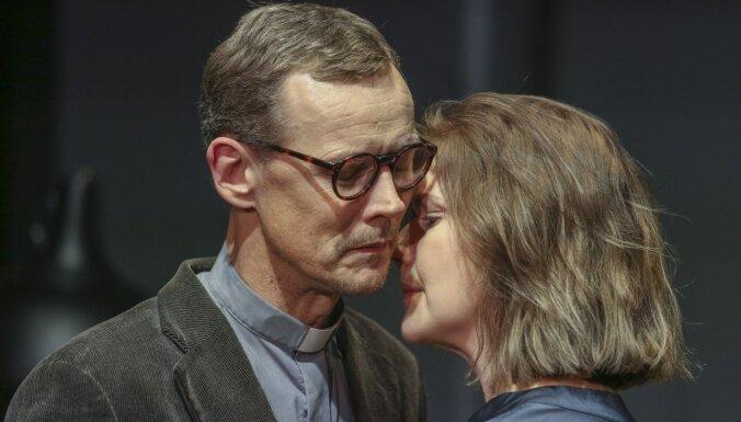 Māra Ķimele Valmierā iestudē Ibsena lugu 'Alvinga kundze'