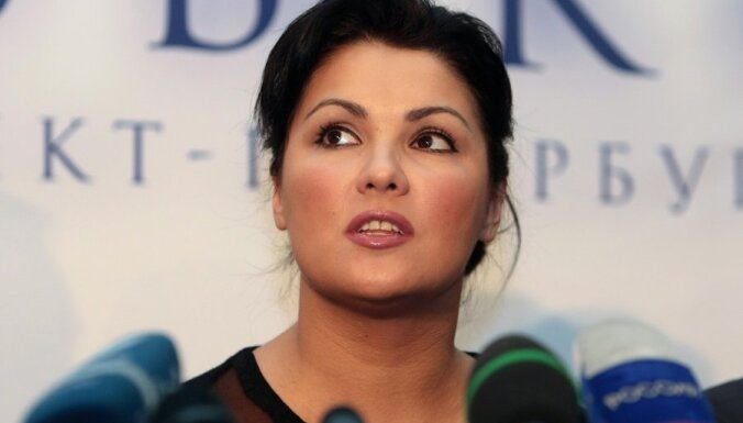 Анна Нетребко пожертвовала миллион донецкому оперному театру