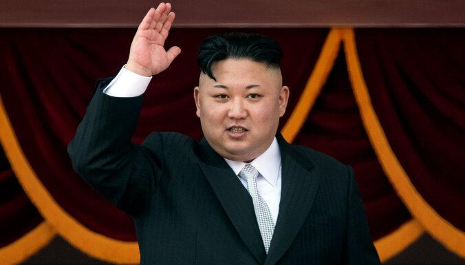 Kims Čenuns parādījies atklātībā, vēsta Ziemeļkorejas mediji