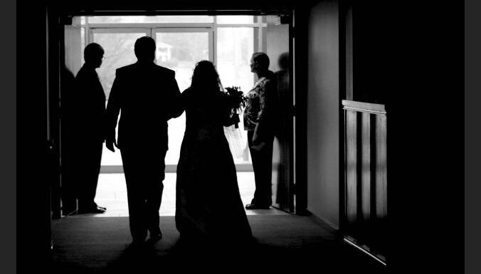 Эксперты: фиктивные браки с гражданами третьих стран— новая форма торговли людьми