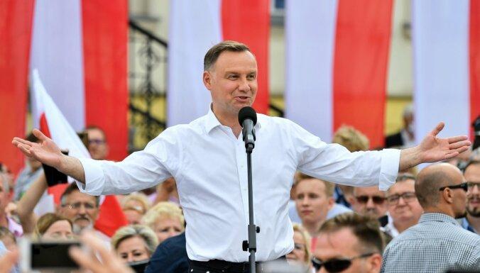 LGBT ideoloģija ir ļaunāka par komunismu, uzskata Polijas prezidents