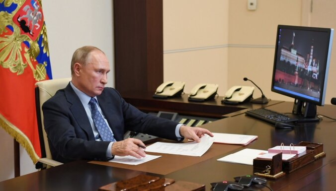 Krievija brīdina ASV par 'neērtiem signāliem' pirms Baidena un Putina samita
