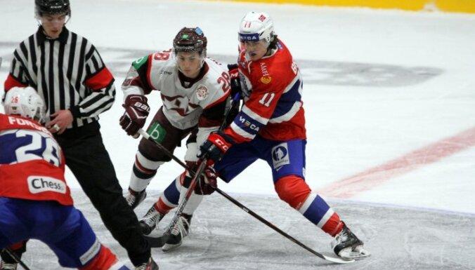 Хоккеисты сборной Латвии уступили норвежцам и в повторном матче