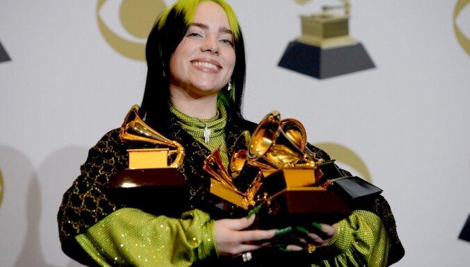 'Grammy' ceremonijā visās galvenajās kategorijās triumfē Billija Eiliša