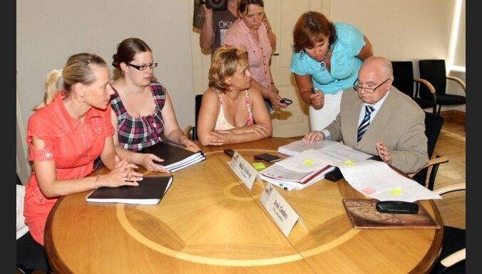 Pirmie vēlēšanu sarakstu CVK iesniedz 'Saskaņas centrs'