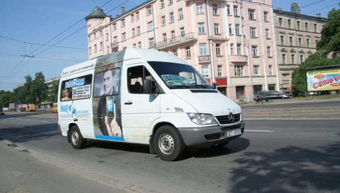 'Rīgas satiksmes' izstumtā 'mikriņu' firma izvērš darbību un 'dempingo'