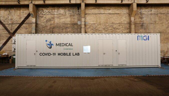 Latvijā uzsāk mobilo Covid-19 testēšanas laboratoriju ražošanu