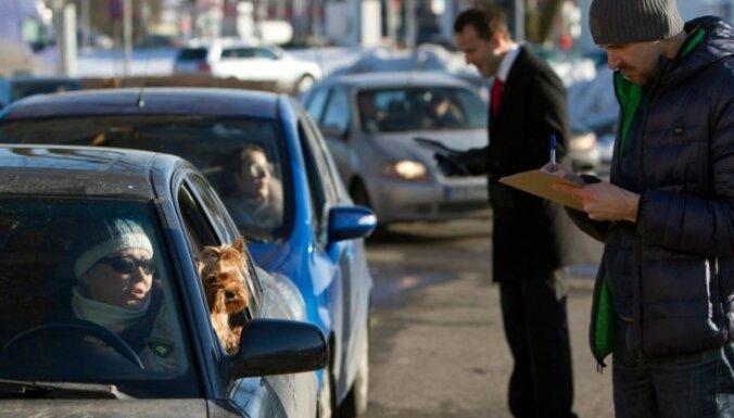 В честь 8 марта: женщин бесплатно научат парковаться и проверят машину