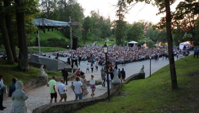 Vasara klāt! Astoņi mūzikas un mākslas festivāli plašam redzeslokam
