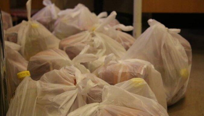 Domubiedri mobilizējas un patvēruma meklētājiem palīdz ar pārtikas iegādi