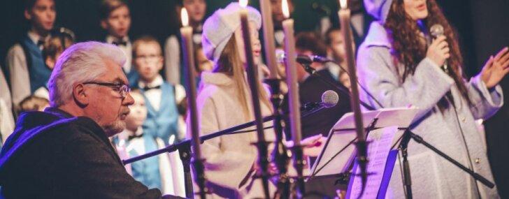Foto: Ieskats Valta Pūces un draugu Ziemassvētku noskaņu koncertā