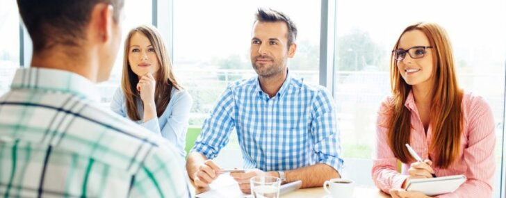 Jauniešus aicina uz praktisku nodarbību, kā sagatavoties darba intervijai