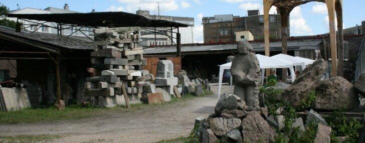 Kvartālā 'Kombināts Māksla' atklās grafiti, ielu mākslas, āra instalāciju un akmens tēlniecības darbu izstādi