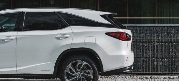 Pirmie iespaidi: Septiņvietīgais 'Lexus RX-L' – limuzīns lielām ģimenēm