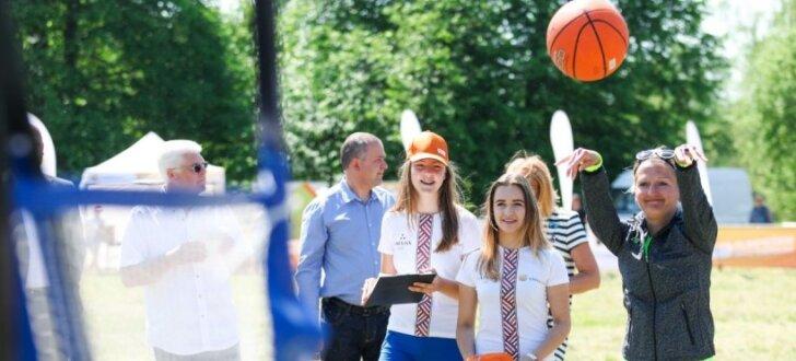 Foto: Valmierieši nodod enerģiju Latvijas olimpiešiem