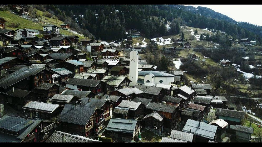 ФОТО, ВИДЕО. Это — деревня в Швейцарии, которая заплатит тебе €60 000 за переезд в нее