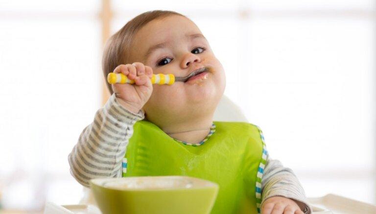 Для крепких костей, зубов и мускулов: сколько кальция и витамина D необходимо ребенку