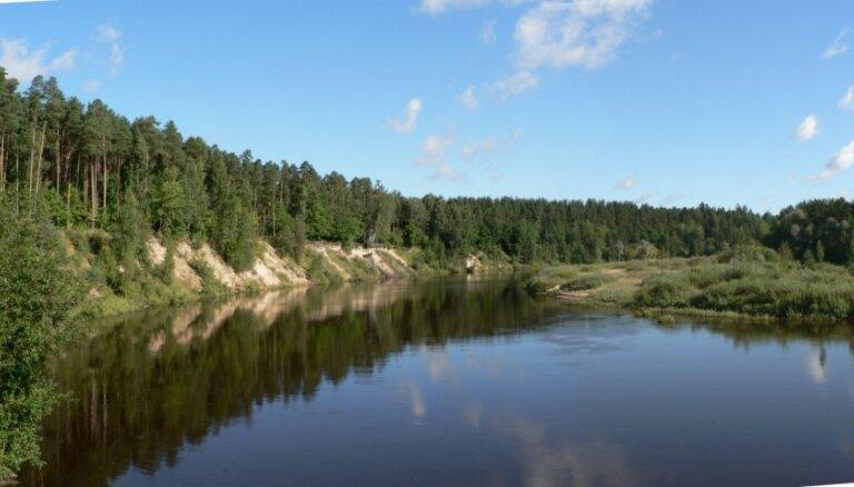 VVD pastiprināti kontrolēs lašu un taimiņu nārsta upes