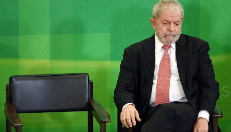 Brazīlijas eksprezidentam Lulam piespriests vēl viens 12 gadus ilgs cietumsods