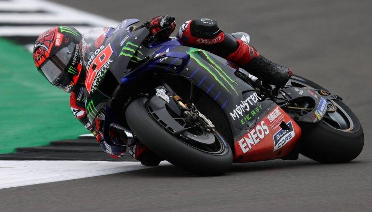Kvartararo uzvar 'MotoGP' sacensību posmā Lielbritānijā