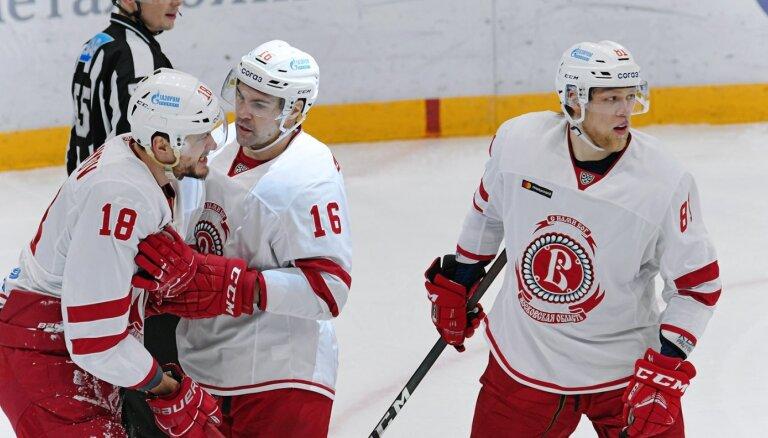 Daugaviņam vārti 'Vitjazj' panākumā KHL spēlē Novosibirskā