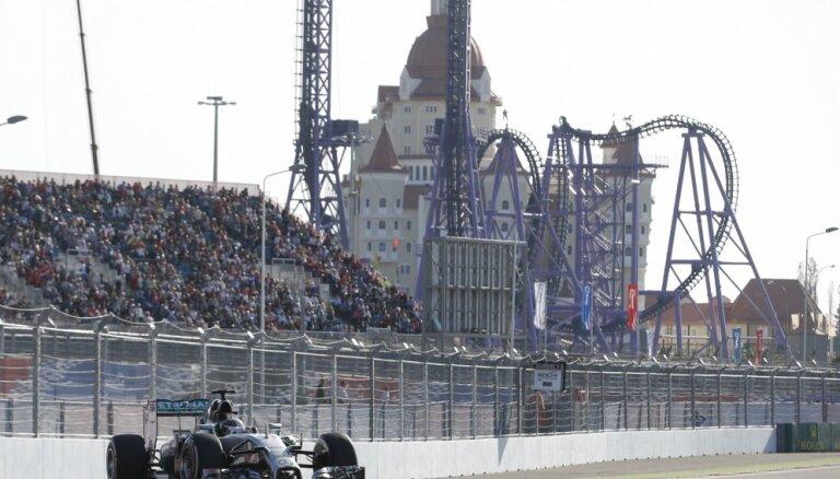 Формула-1: Хэмилтон выиграл первый в истории Гран-при России