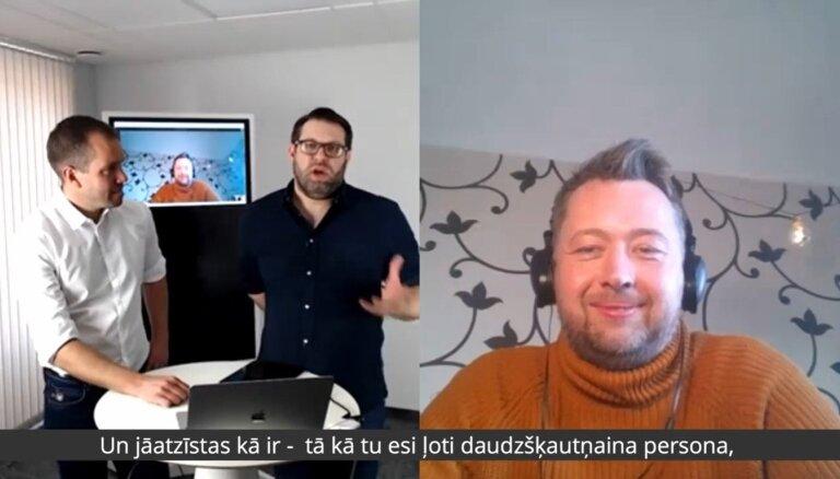 Kristians Kareļins par jestru komunikāciju un dziedāšanu tukšā futbola stadionā