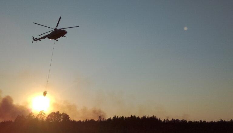 Ugunsgrēks Valdgales pagastā: NBS helikopteri apkopē – kāpēc palīdzību neprasīja ātrāk?