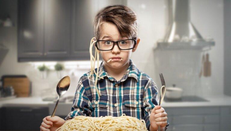 Video: Kā pareizi ēst spageti
