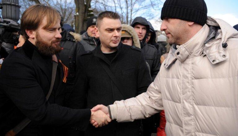 Урбанович: правые подталкивают левых радикалов к объединению