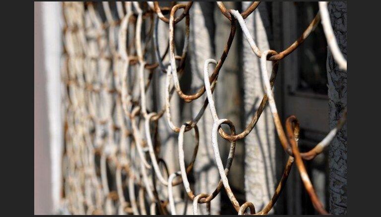 Advokātei piespriež cietumsodu par mēģinājumu ieslodzītajam cietumā nodot narkotiskās vielas