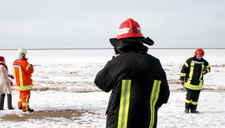 В Кулдигском крае нынешней зимой утонул первый рыбак