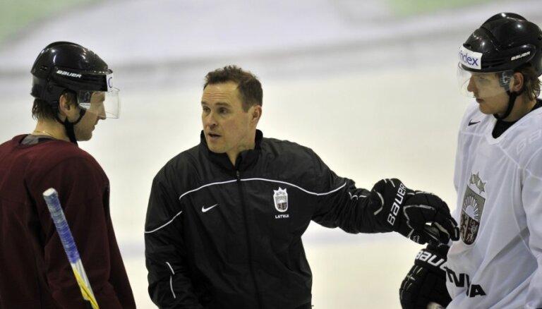 Irbe ģimenes apstākļu dēļ pametis Latvijas hokeja izlases nometni