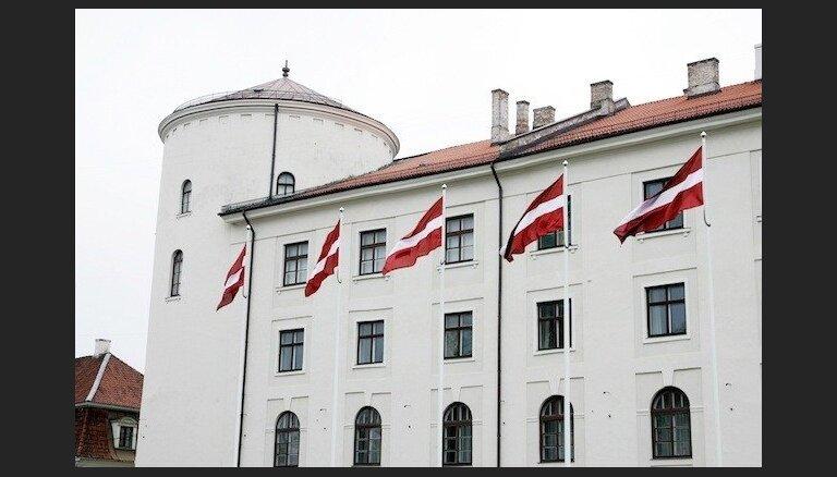 ZZS deputāti iesniedz grozījumus Satversmē par tautas vēlētu Valsts prezidentu