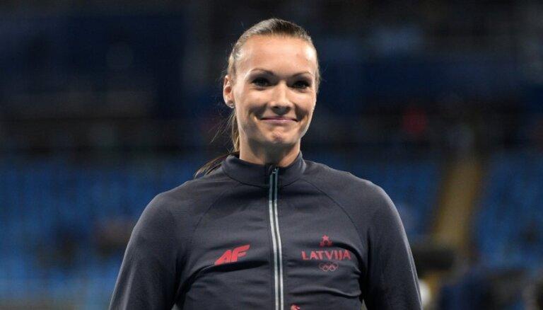 Ikauniece-Admidiņa uzteic konkurentes cīņā par gada labākās sportistes balvu