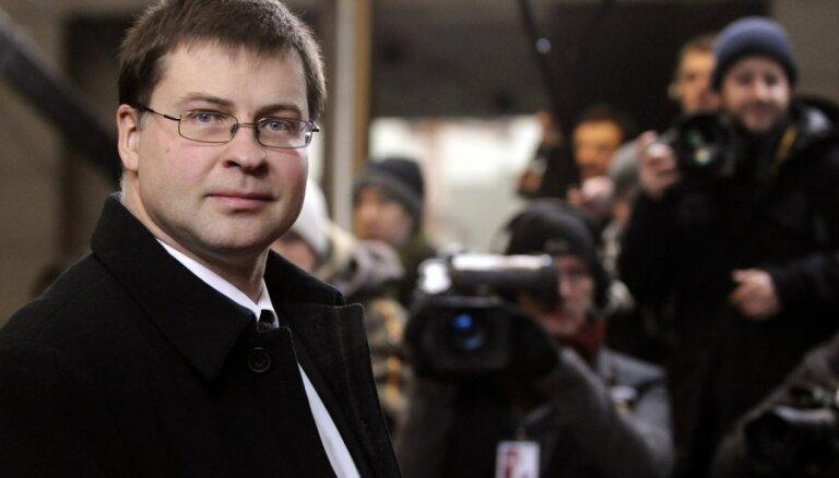 Dombrovskis: pirmdien Briselē tiks panākta vienošanās par jauno fiskālās disciplīnas līgumu