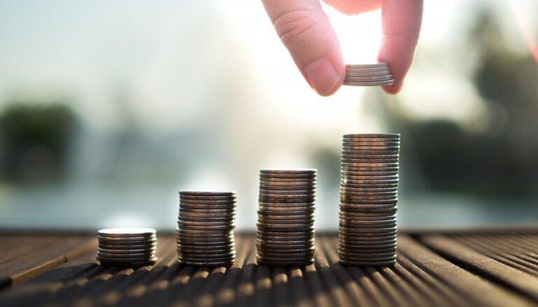 Izsludināta pieteikšanās bezmaksas jauniešu vasaras prakses programmai banku sektorā