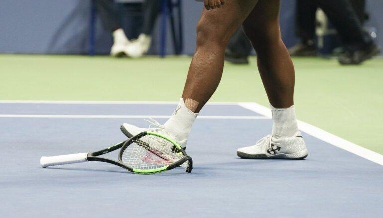 Pētījums: Tenisisti par nesavaldību 'Grand Slam' turnīros tiek sodīti biežāk nekā tenisistes