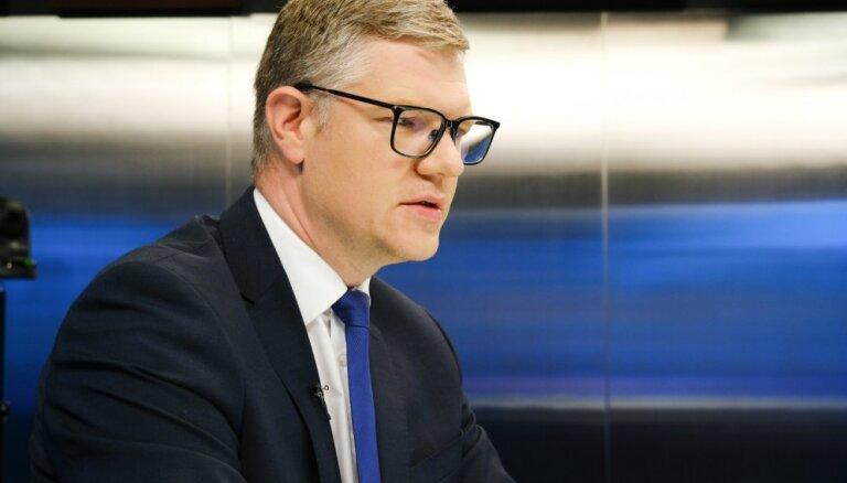 'Vīzijas trūkums' - Ķirsis skaidro, kādēļ Reinbaham piedāvāts strādāt pie 'Rail Baltica' ieviešanas Rīgā