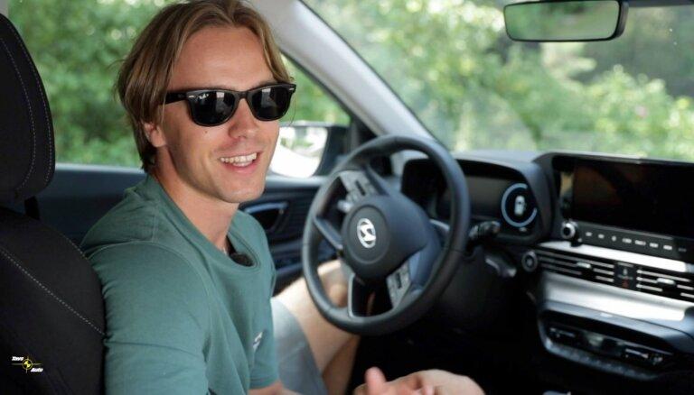 Video: Mūziķis Kriss Noa iepazīst jauno 'Hyundai Bayon'