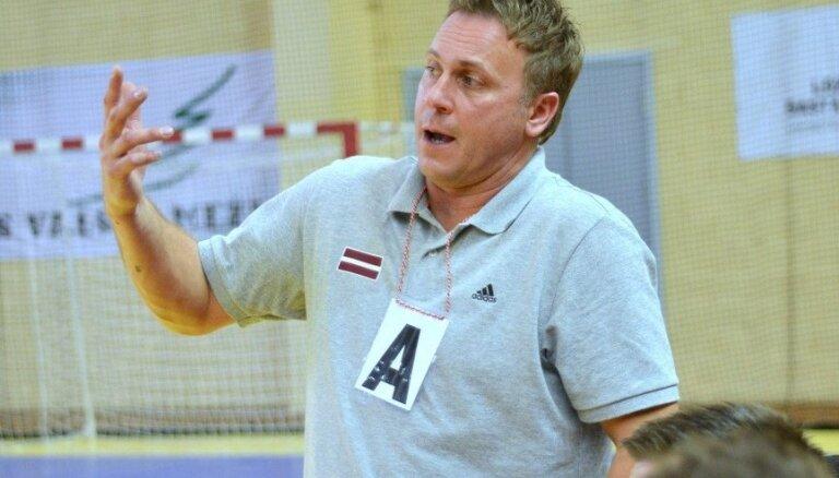 Latvijas handbola izlases galvenais treneris spēli pret Grieķiju nosauc par drausmīgu