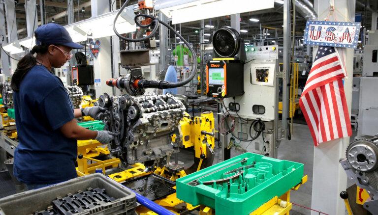 'General Motors', 'Fiat Chrysler' un 'Ford' uz laiku slēdz Ziemeļamerikas ražotnes